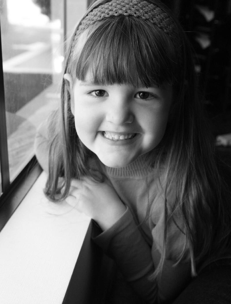Hannah_window_2